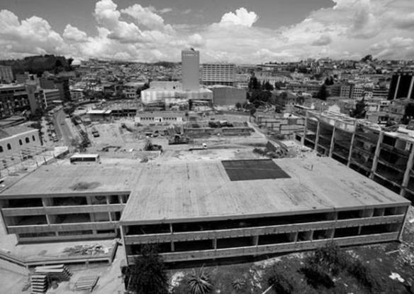 2013_BLOG MDANAVARRA_ANTIGUOS ALUMNOS_ ANA GABRIELA SALVADOR_Quito-asamblea_nacional-funcion_legislativa